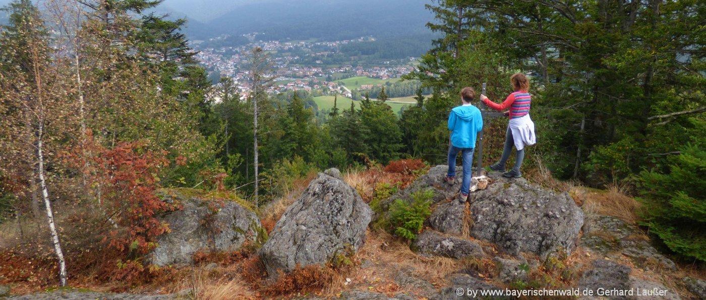 bodenmais-ausflugsziele-riederinfelsen-wanderurlaub-bayerischer-wald